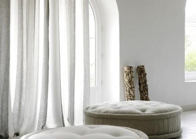 Mimilo, décoration et aménagement d'intérieur - Poufs et rideaux Élitis